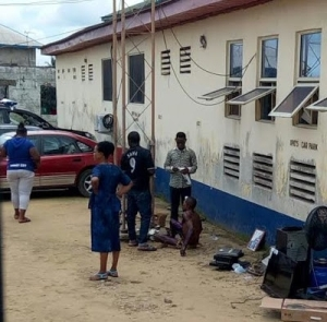 Notorious Thief Beaten Mercilessly and Soaked in Fuel by an Angry Mob in Calabar (Photo)